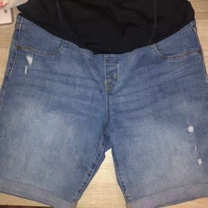 Bermuda Distressed Jean Shorts Maternity-SIZE 14
